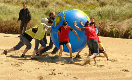 Beach sporten aardbal oostende