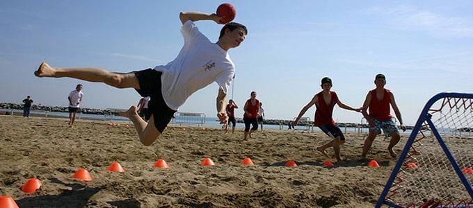 Beach sporten tcouckball